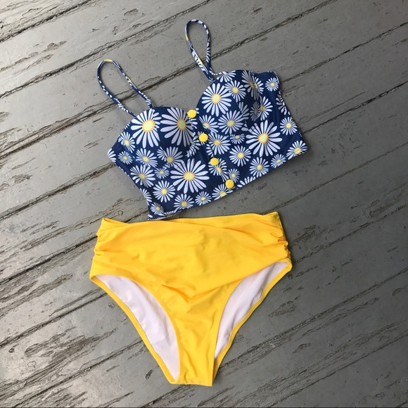 e443dcc14090 Flower Play Daisy High-Waisted Bikini Set